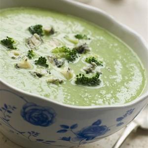 Крем-суп из брокколи с сыром стилтон - фото