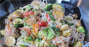 Салат из лапши - фото